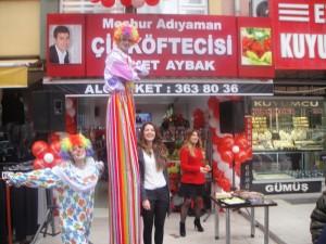 Eskişehir Balon Süsleme, Eskişehir Açılış Organizasyonu, Eskişehir Palyaço Kiralama, Eskişehir Tahta Bacak, Eskişehir Şişme Maskot